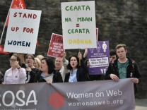 Pro-choice Activist Group ROSA Distribute Illegal Abortion Pills From Touring Bus