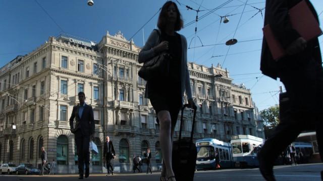 Der Paradeplatz in Zürich - das Zentrum der Schweizer Banken- und Finanzwelt.