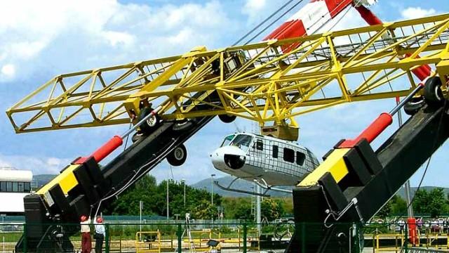 Schiene-Wasser-Luft Hubschrauberabsturz