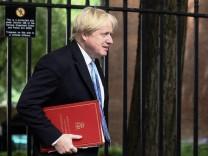 Der britische Außenminister Boris Johnson trifft im Juni 2018 in der Downing Street ein.