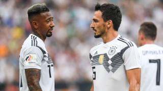 Jerome Boateng und Mats Hummels im Trikot der Deutschen Nationalmannschaft