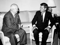 Nikita Chruschtschow und John F. Kennedy