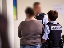 Missbrauchsfall - Prozess gegen Mutter und Lebensgefährte