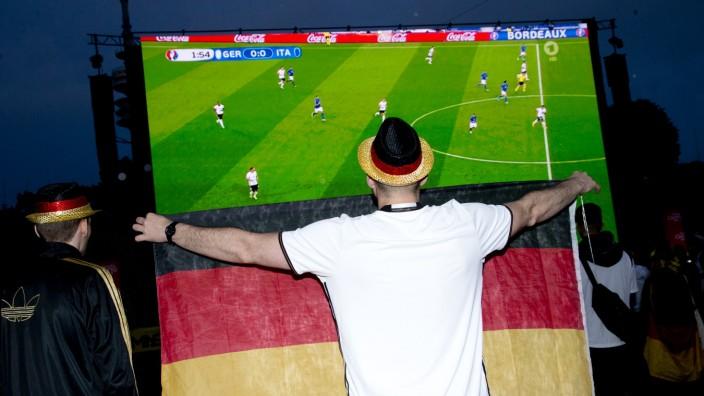 Public Viewing in München während der Fußball-EM 2016