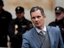 FILE PHOTO: Inaki Urdangarin, husband of Spain's Princess Cristina, leaves court after a hearing in Palma de Mallorca