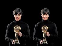 Jogi Löw mit dem WM-Pokal