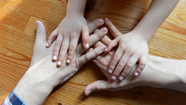 Adoption: Neue Familie für ein Kind