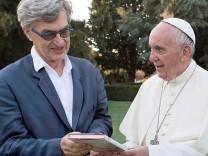 Wim Wenders und Papst Franziskus