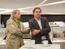 Peter Kögl li und Titus Bernhard Architekten und Planer der Arena Fassade Pressekonferenz FC Au
