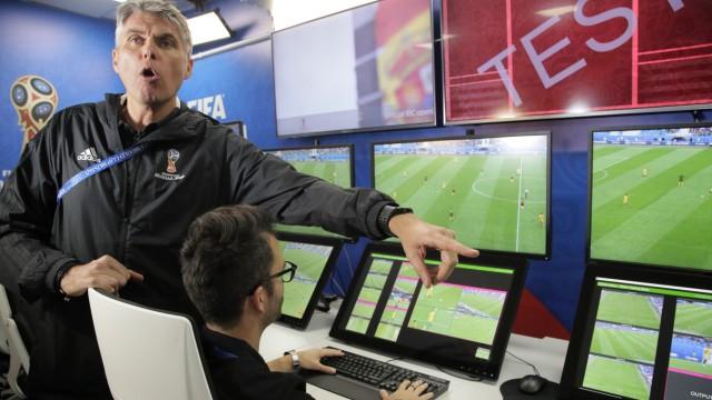 Fußball WM 2018 - Kontrollraum für Videobeweis