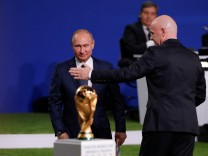 FIFA President Infantino and Russian President Putin attend the 68th FIFA Congress in Moscow