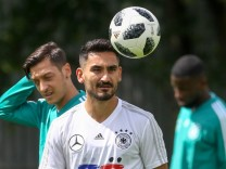 MOSCOW RUSSIA JUNE 13 2018 Mesut Ozil L and Ilkay Gundogan of the German men s national footb