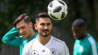 MOSCOW RUSSIA JUNE 13 2018 Mesut Ozil L and Ilkay Gundogan of the German men s national footb
