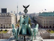 AP, Berlin, Thilo Sarrazin, Stadt, Migranten, interview, Brandenburger Tor, Skyline, Fernsehturm