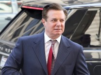 Manafort arrives for arraignment on charges of witness tampering, at U.S. District Court in Washington
