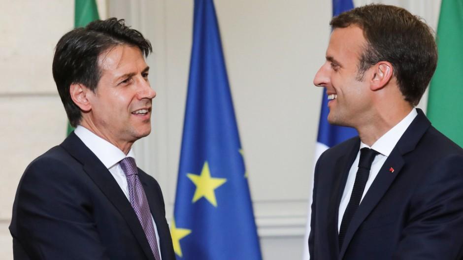 Conte und Macron für Asylzentren in Herkunftsländern