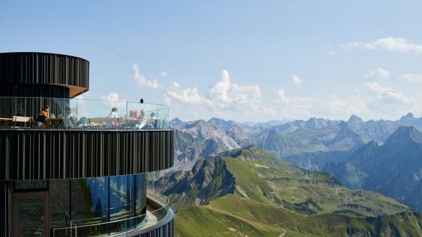 Das neue Gipfelrestaurant auf dem Nebelhorn