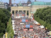 Berlin Tiergarten 17 06 18 Strasse des 17 Juni Fanmeile WM 2018 Spiel Deutschland gegen Mexiko