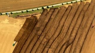 Luftbilder DILLSTÄDT 02 08 2013 Felder bei Dillstädt werden gedüngt Gülle Landwirtschaft