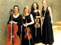 Julia Maier (Flöte), Anna-Theresa Sehmer (Violine), Katharina Schmid (Viola) und Duygu Kaynar (Violoncello)