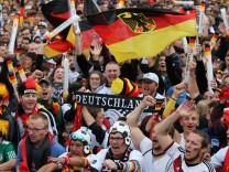 Fans der deutschen Nationalmannschaft beim Public Viewing 2018