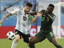 Lionel Messi, Oghenekaro Etebo