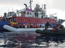 """Das Rettungsschiff """"Lifeline"""" rettet Flüchtlinge im Mittelmeer"""