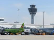 München Flughafen Airport Terminal 2 Polizei Polizeieinsatz