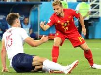 England gegen Belgien: Dries Mertens und Gary Cahill beim WM-Spiel 2018