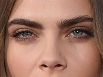 Cara Delevingne Augenbrauen