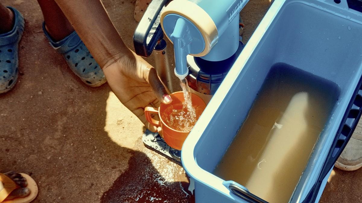 Wie eine Unternehmerin weltweit für sauberes Trinkwasser sorgen will