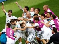 Fußball-WM: Spieler der russischen Nationalmannschaft feiern den Einzug ins Viertelfinale.