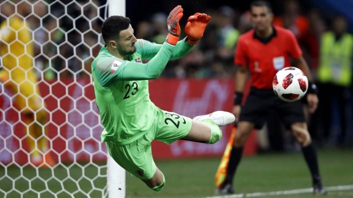 Der kroatische Torwart Danijel Subasic beim Elfmeterschießen im WM-Spiel 2018 gegen Dänemark.