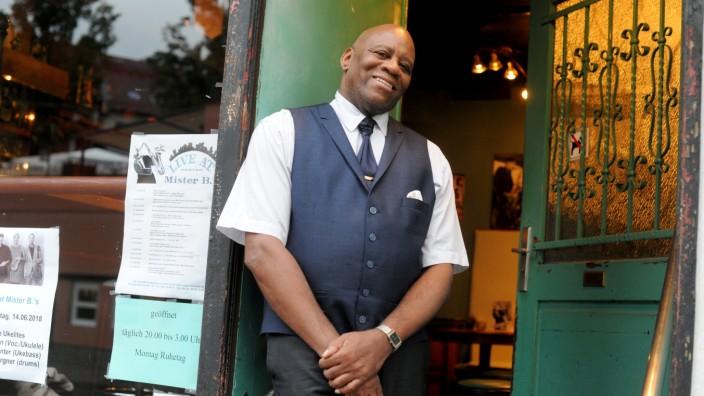 Alex Best, der Inhaber der Jazzkneipe Mister B's