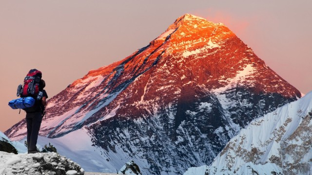 Mount Everest in der Abendsonne