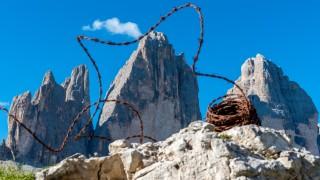 Klettersteig Dolomiten : Kletterer am klettersteig auf paterno drei zinnen alta pusteria