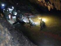 Höhlen-Drama in Thailand: Rettungskräfte auf dem Weg zu den eingeschlossenen Jungen