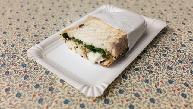 ¿Comer sándwich con vinagre? Si exactamente!