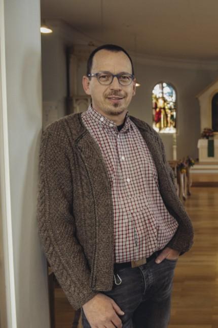 Feldkirchen, evangelische Kirche, Pfarrer Torsten Bader und Religionspädagogin Franziska Raetsch