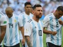 Argentiniens Spieler um Lionel Messi beim WM-Spiel gegen Frankreich