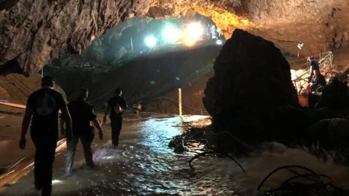 Thailand Höhle Rettung Jugendliche Taucher