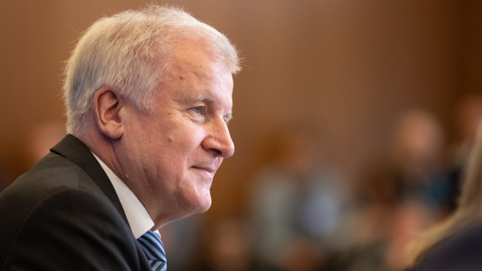 Seehofer Present Master Plan For Migration Policy