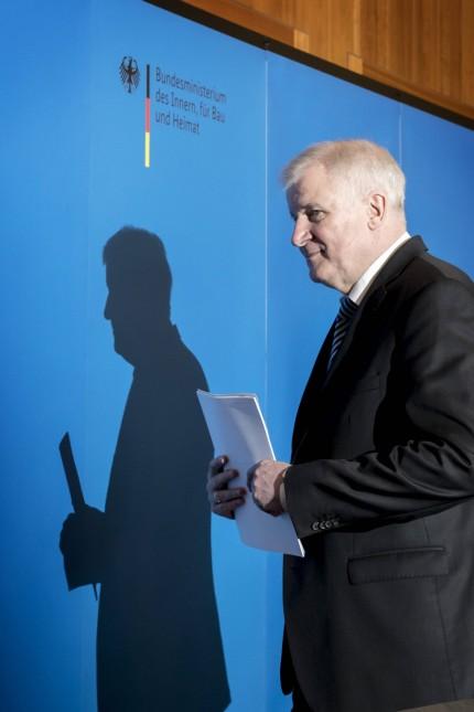 Bundesinnenminister Horst Seehofer CSU stellt den Masterplan Migration des Bundesministerium des