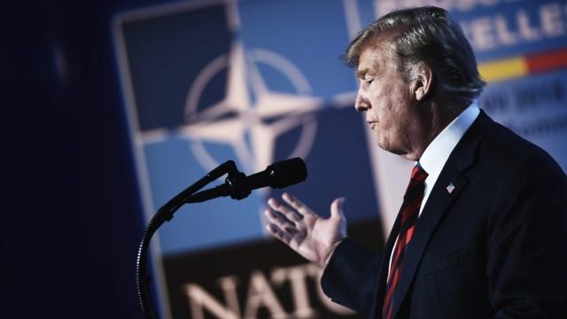 Trump spricht auf dem Nato-Gipfel 2018 in Brüssel