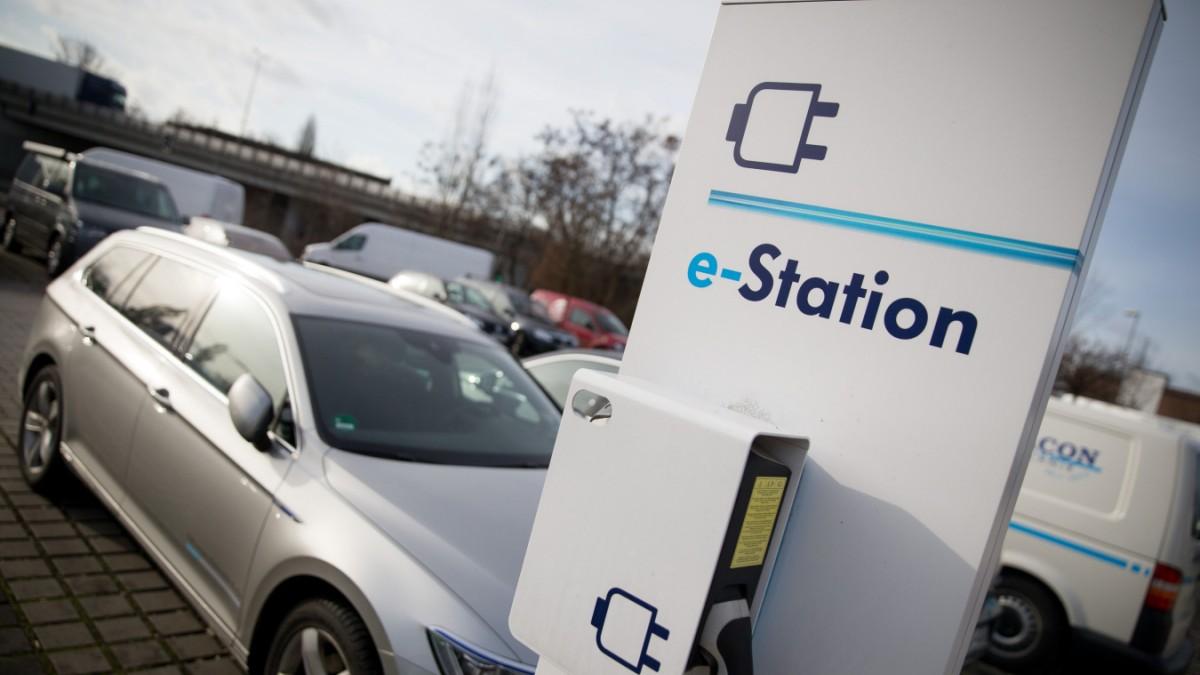 Elektro-Mobilit-t-Der-Landkreis-steht-unter-Strom