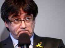Carles Puigdemont auf einer Pressekonferenz in Berlin