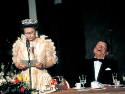 Die Queen und die US-Präsidenten: Ungewollte Küsse, peinliche Versprecher, spontane Umarmungen