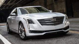 Die amerikanische Luxuslimousine Cadillac CT6 in der Frontansicht.