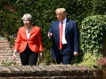 US-Präsident Donald Trump mit Großbritanniens Premierministerin Theresa May 2018 in England.