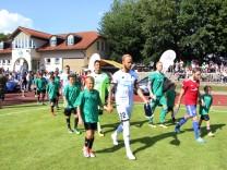 Hoffenheim kickt vs. Pöcking im Sportpark; Fußballprominenz in Pöcking